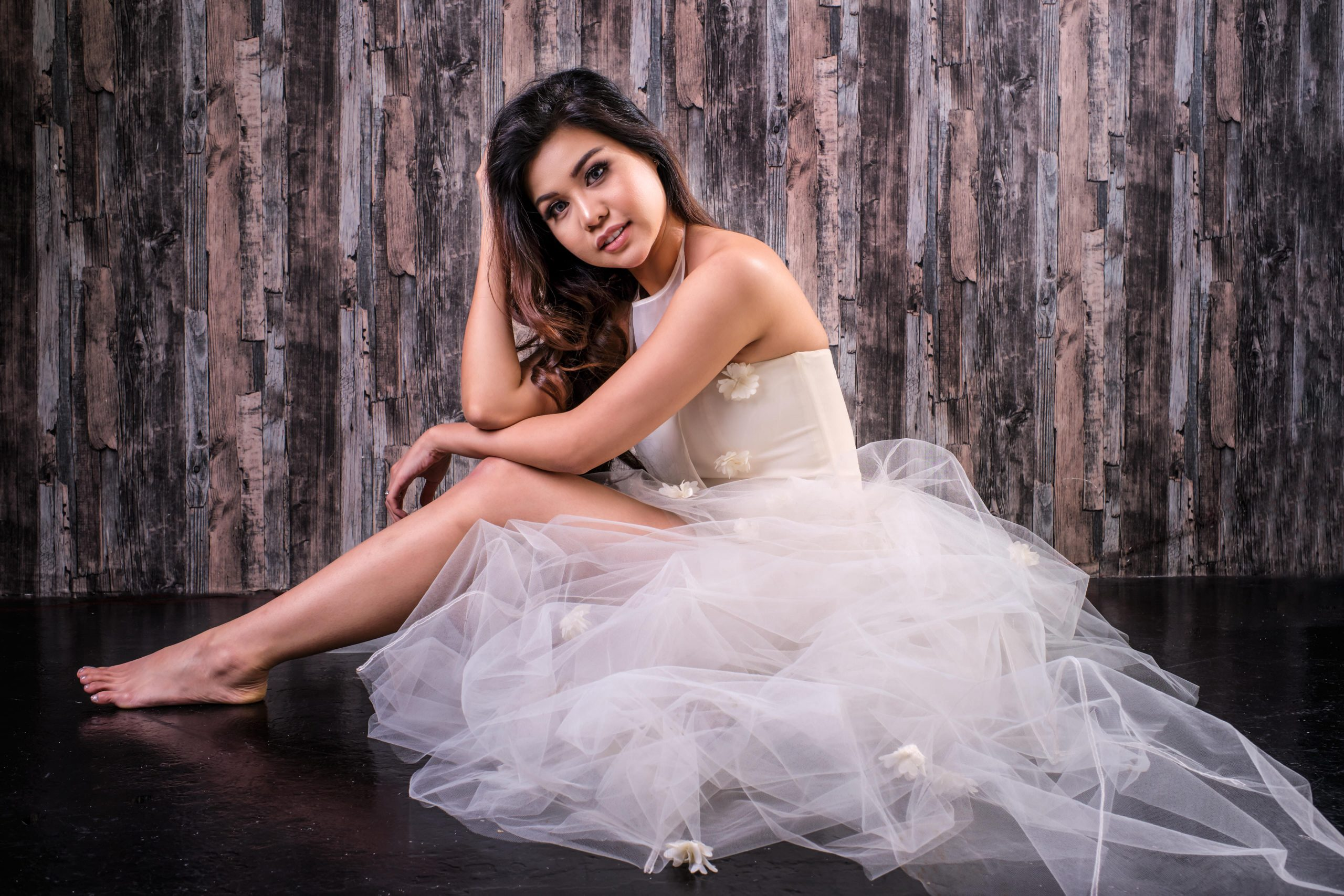 beauty-portraits-studio-wedding-dress-photo